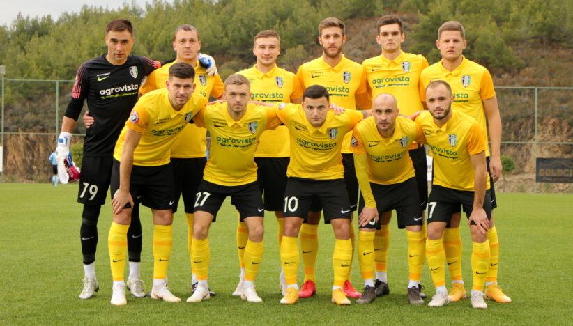 Нічия з болгарами